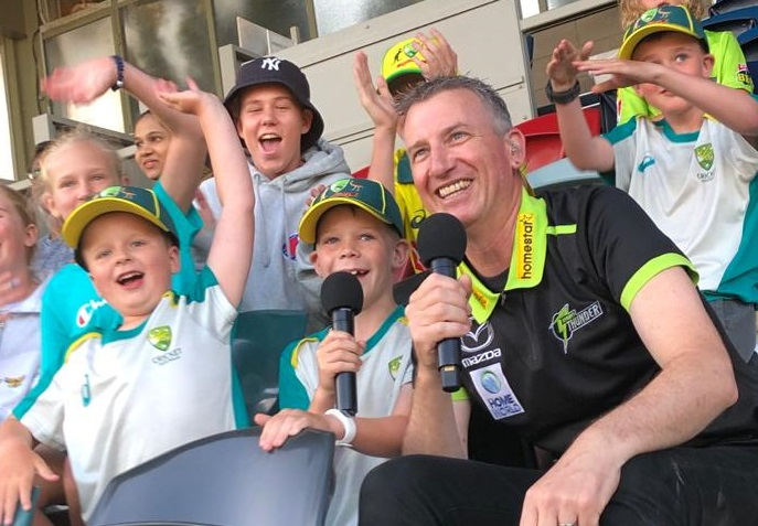 20201226 - MC Sydney Thunder at Manuka Oval (2)